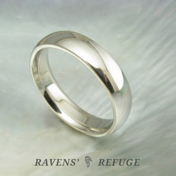 traditional wedding band – recycled gold wedding ring