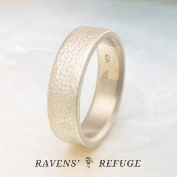 flat wedding band – men's gold ring with textured finish