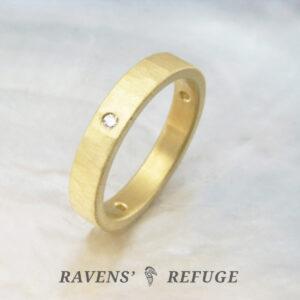 hammered diamond ring – unique 18k gold wedding band