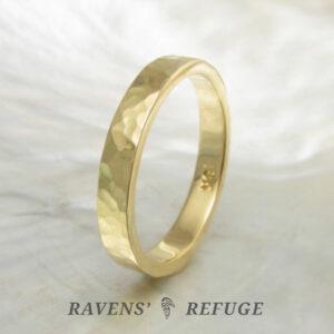hammered 18k gold ring – 3mm wedding band
