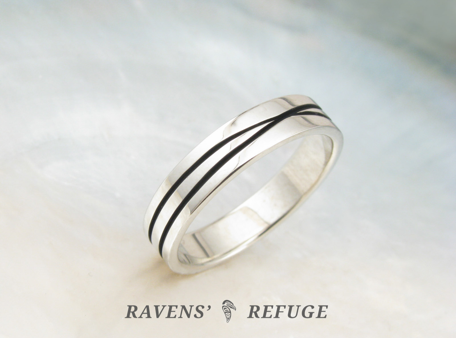 Unique Infinity Ring Criss Cross Wedding Band