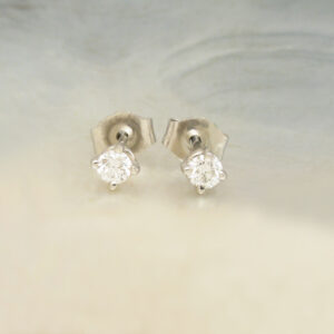 go to diamond earrings