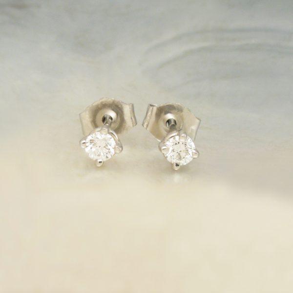 go to diamond earrings