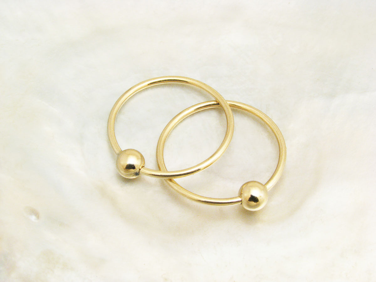 1148019e6 continuous small gold hoop earrings with beads - Ravens' Refuge